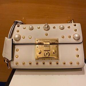 🔥🔥🔥Gucci Studded Small Pearl Padlock Bag